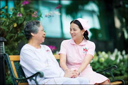Dịch Vụ Chăm Sóc Người Gìa Tân Uyên Chăm Sóc Tại Nhà Và Tại Bệnh Viện