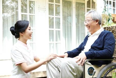 Dịch Vụ Chăm Người Bệnh Chăm Sóc Tại Bệnh Viện Và Tại Nhà